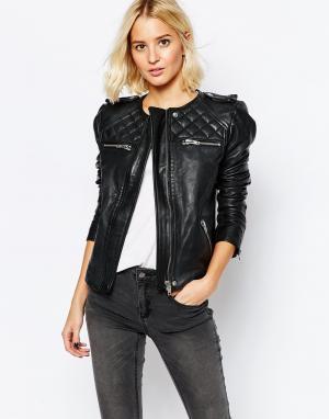 Кожаная куртка без воротника Isabello Selected. Цвет: черный