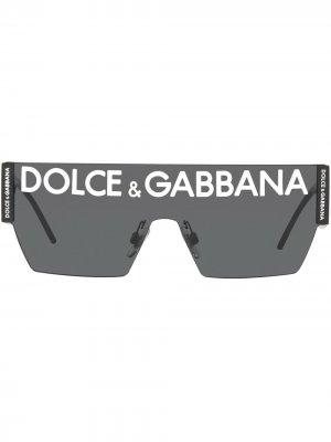 Солнцезащитные очки в массивной оправе с логотипом DG Dolce & Gabbana Eyewear. Цвет: черный