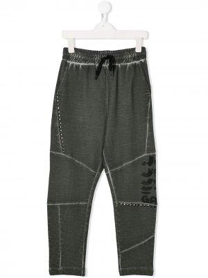 Спортивные брюки с заклепками John Galliano Kids. Цвет: серый