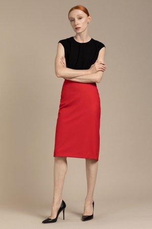 Классическая юбка зауженного силуэта VASSA&Co. Цвет: красный
