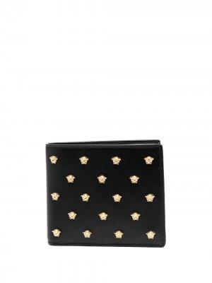 Бумажник с логотипом Versace. Цвет: черный