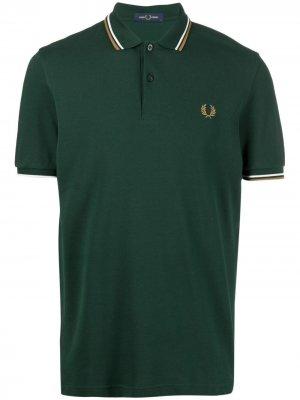 Рубашка поло с вышитой монограммой FRED PERRY. Цвет: зеленый