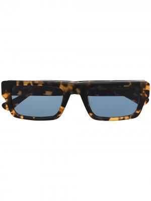 Солнцезащитные очки черепаховой расцветки AMBUSH. Цвет: коричневый