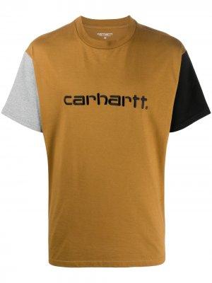 Футболка в стиле колор-блок с логотипом Carhartt WIP. Цвет: коричневый