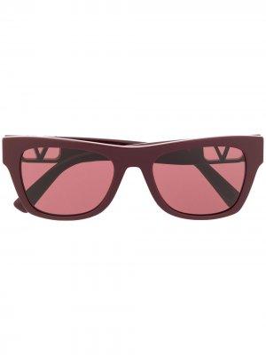 Солнцезащитные очки в квадратной оправе Valentino Eyewear. Цвет: красный