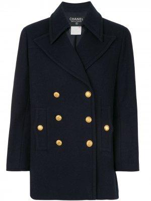 Короткое двубортное пальто 1998-го года Chanel Pre-Owned. Цвет: синий