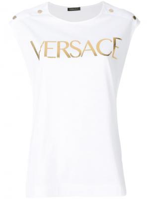Топ с логотипом Versace. Цвет: белый