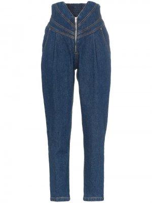 Зауженные джинсы с V-образным вырезом на талии Attico