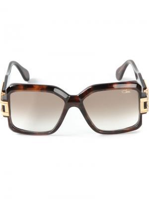 Солнечные очки в квадратной оправе Cazal. Цвет: коричневый