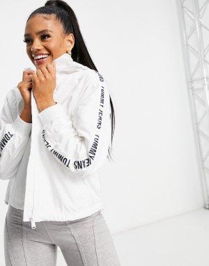 Белая ветровка с фирменной лентой логотипом на рукавах -Белый Tommy Jeans