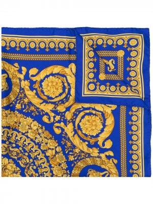Barocco-print silk foulard Versace. Цвет: синий