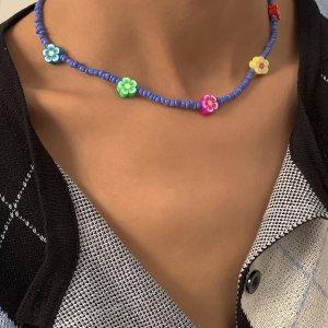 Ожерелье из бисера с цветком SHEIN. Цвет: многоцветный