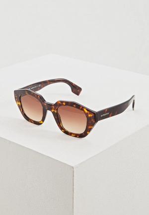 Очки солнцезащитные Burberry BE4288 300213. Цвет: коричневый