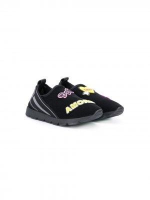 Слипоны с нашивкой-логотипом Dolce & Gabbana Kids. Цвет: черный