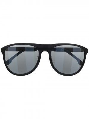 Солнцезащитные очки с полосатыми линзами Fendi Eyewear. Цвет: черный