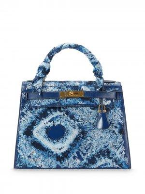 Сумка-тоут Hermès Kelly 28 Sellier с принтом тай-дай Jay Ahr. Цвет: синий