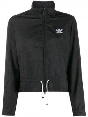 Спортивная куртка с оборками adidas. Цвет: черный