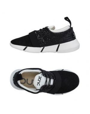 Низкие кеды и кроссовки DUDE. Цвет: черный