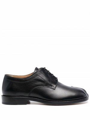 Туфли Tabi на шнуровке Maison Margiela. Цвет: черный