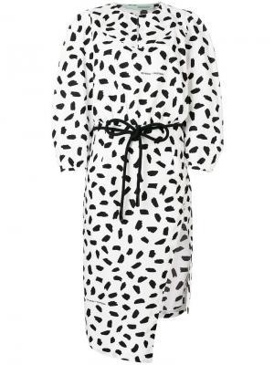 Платье с асимметричным подолом Off-White. Цвет: белый