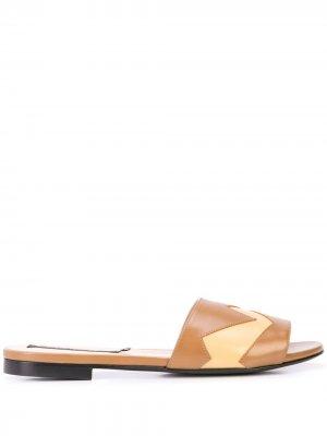 Босоножки-слипоны на низком каблуке Alberto Fermani. Цвет: нейтральные цвета