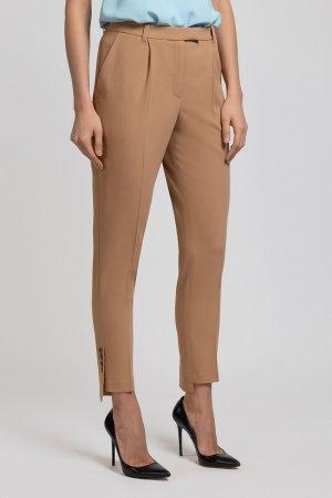 Зауженные брюки со шлицей и пуговицами VASSA&Co. Цвет: коричневый