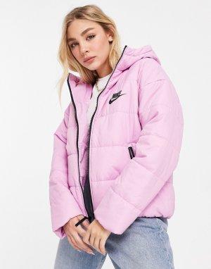 Нежно-розовый пуховик с логотипом-галочкой на спине Nike