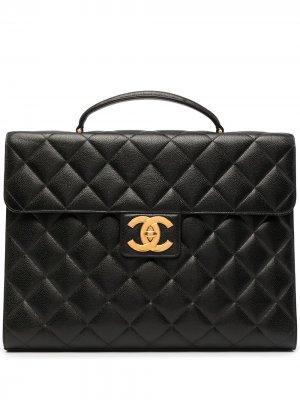 Стеганый портфель 1998-го года с логотипом CC Chanel Pre-Owned. Цвет: черный