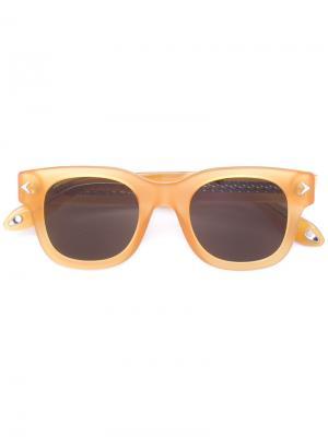 Солнцезащитные очки в квадратной оправе Givenchy. Цвет: жёлтый и оранжевый