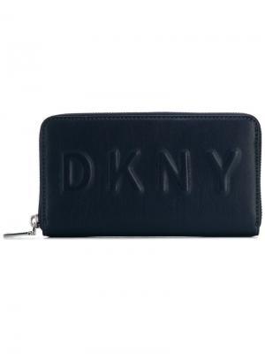 Кошелек с тисненым логотипом DKNY. Цвет: синий