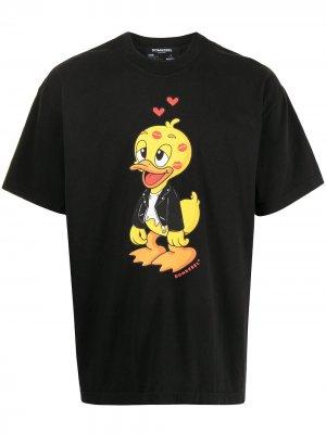 Футболка с принтом Kisses Duck DOMREBEL. Цвет: черный