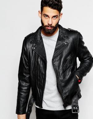 Кожаная байкерская куртка с ремнем Schott. Цвет: черный