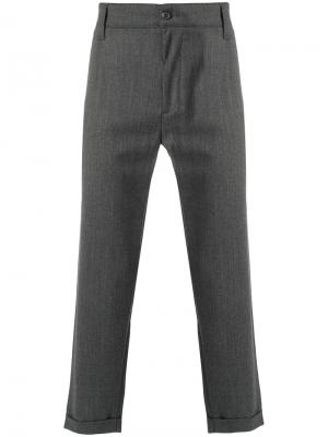Классические брюки свободного кроя Carhartt. Цвет: серый