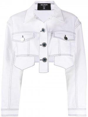 Укороченная джинсовая куртка Balmain. Цвет: белый