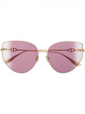 Солнцезащитные очки в массивной оправе кошачий глаз Dior Eyewear. Цвет: золотистый