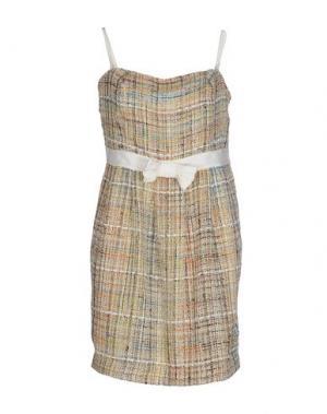 Короткое платье CARAMELO. Цвет: песочный