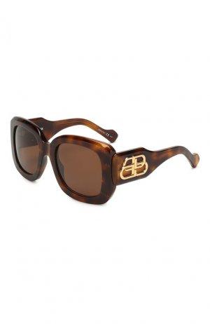 Солнцезащитные очки Balenciaga. Цвет: коричневый