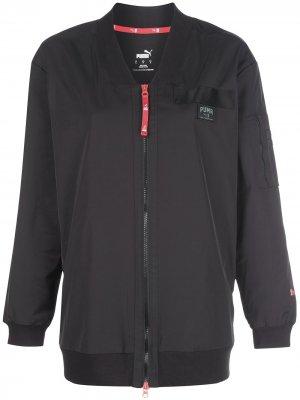 Длинная куртка-бомбер из коллаборации с AL Puma. Цвет: черный