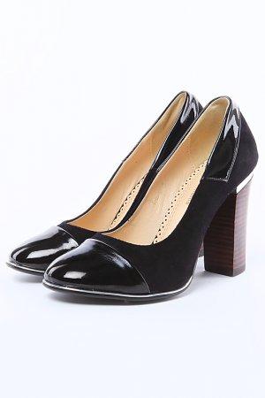 Туфли ARZOmania. Цвет: черный