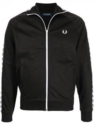 Куртка на молнии с вышитым логотипом FRED PERRY. Цвет: черный