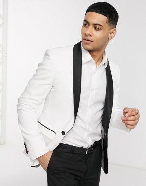 Белый приталенный пиджак-смокинг Avail London