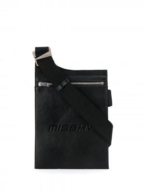 Сумка на плечо с тисненым логотипом MISBHV. Цвет: черный