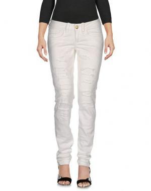 Джинсовые брюки FORNARINA. Цвет: белый