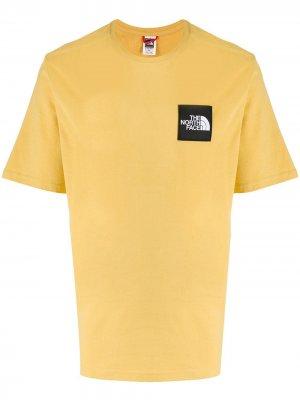 Футболка с нашивкой-логотипом The North Face. Цвет: желтый