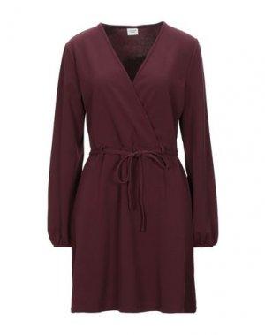 Короткое платье JACQUELINE de YONG. Цвет: красно-коричневый
