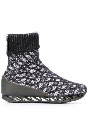 Ботинки-носки Himalayan из коллаборации с Camper Together Bernhard Willhelm. Цвет: черный