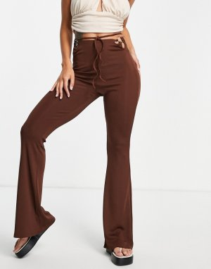 Расклешенные брюки шоколадного цвета с завязкой вокруг талии -Коричневый цвет Bershka