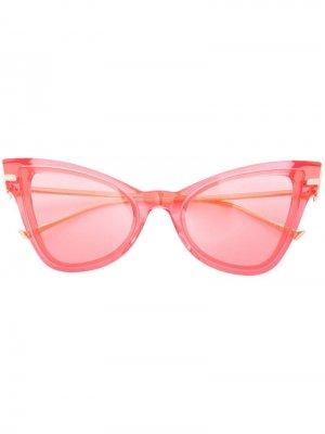Затемненные солнцезащитные очки в оправе кошачий глаз Altuzarra. Цвет: красный