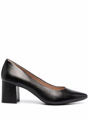 Туфли с заостренным носком Geox. Цвет: черный