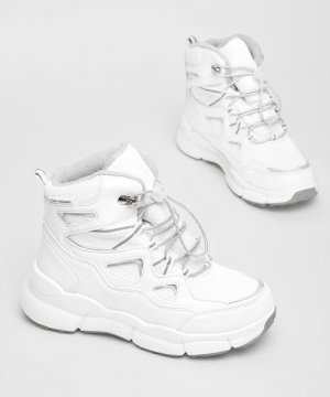 Утеплённые ботинки для девочек O`Stin. Цвет: белый